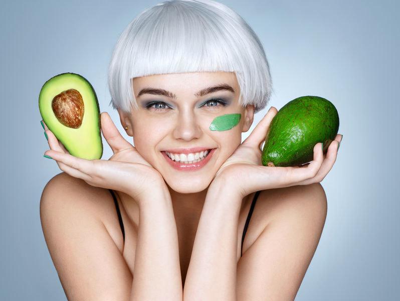 Awokado pomaga obniżyć poziom złego cholesterolu /123RF/PICSEL