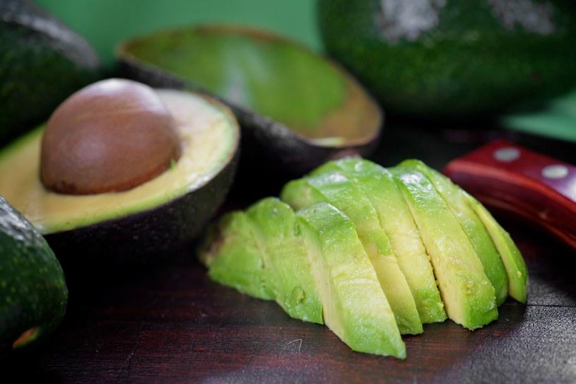 Awokado to nie tylko zdrowe tłuszcze, ale i luteina /123RF/PICSEL