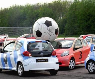 Aygo gra w piłkę!