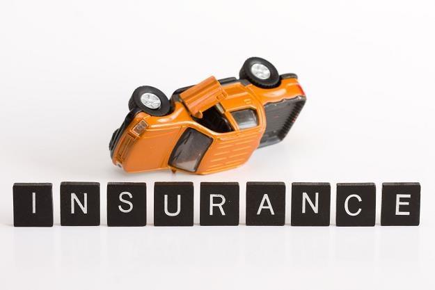 Aż 26 mln zł kar zapłacili w minionym roku właściciele pojazdów za brak OC /©123RF/PICSEL