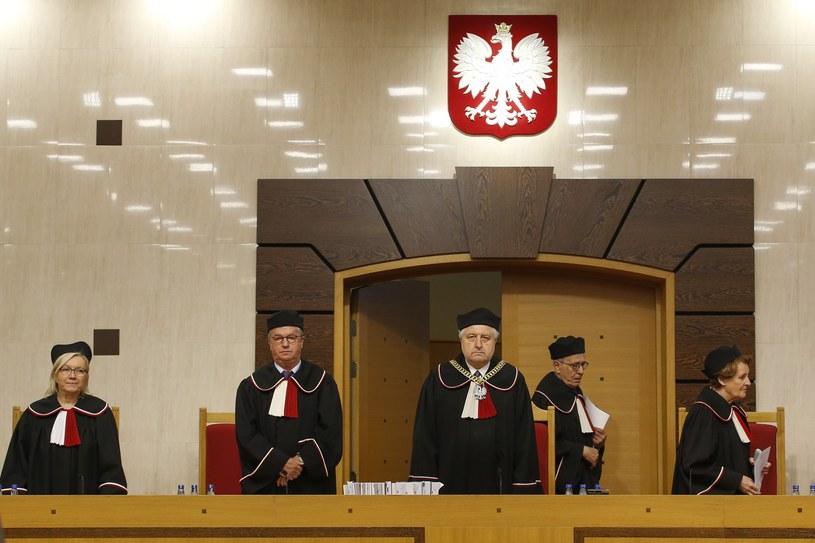 Aż 43 proc. badanych uważa, że w sporze o Trybunał rację ma opozycja oraz TK /Andrzej Iwańczuk /Reporter