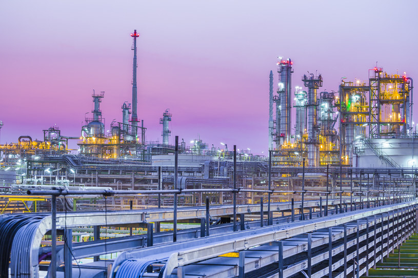 Aż siedem państw jest uzależnionych od eksportu ropy naftowej /123RF/PICSEL