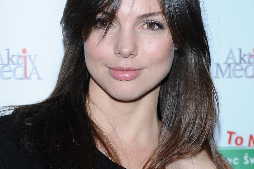 Aż trudno uwierzyć, że aktorka ma tylko jedną parę szpilek w szafie! /MWMedia