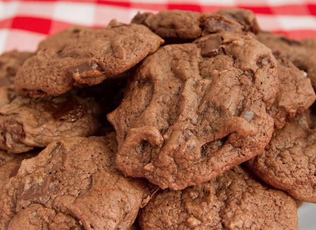 Aż trudno uwierzyć, że tak łatwo jest zrobić pyszne ciasteczka. /123RF/PICSEL