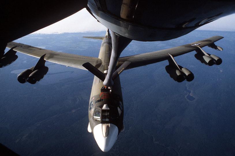 B-52 tankuje z KC-135. Wlaśnie w czasie tego manewru doszlo do zderzenia nad Hiszpanią /Getty Images/Flash Press Media