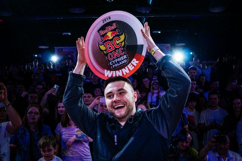 """B-boy """"Kostek"""" zwycięzcą Red Bull BC One Cypher Poland. Kolejnym przystankiem na drodze wyłonionoego w Krakowie mistrza będzie Zurych /Gniewko Głogowski/Red Bull Content Pool /materiały prasowe"""