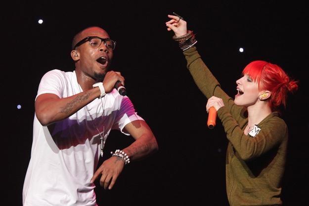 "B.o.B. i Hayley Williams nagrali przebój ""Airplanes"" - fot. Noel Vasquez /Getty Images/Flash Press Media"