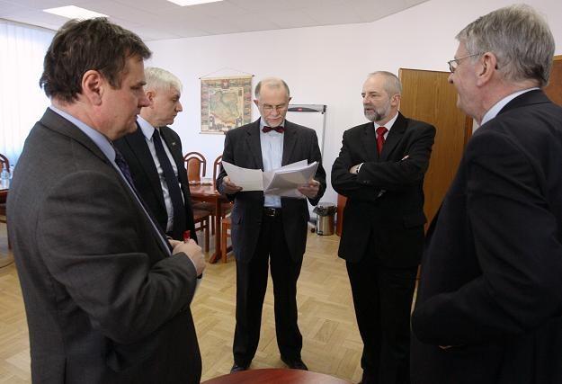 B. Piwowar (2L), G. Borowiec (L), L. Rowicki (C), J. Braun (2P) i W. Roszkowski/fot. P. Kula /PAP
