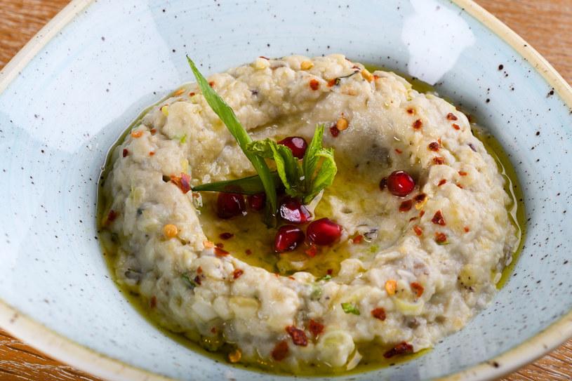 Baba ghanoush - potrawa z bakłażana /123RF/PICSEL
