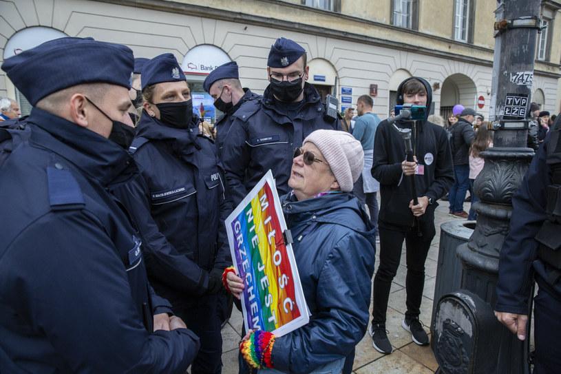 """""""Babcia Kasia"""" została uznana za winną znieważenia funkcjonariuszy /MAREK BEREZOWSKI/REPORTER /Reporter"""