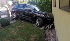 Babcia w Porsche wjechała w  Audi, z którego wysiadała wnuczka