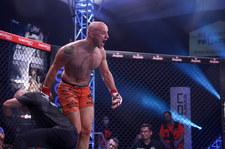 Babilon MMA 18: Revenge. Paweł Pawlak zdobył pas wagi średniej, pokonując w walce wieczoru Adriana Błeszyńskiego