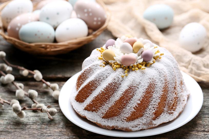 Babka to jedno z najpopularniejszych ciast wielkanocnych /123RF/PICSEL