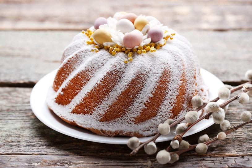Babka wielkanocna to ulubiony świąteczny wypiek wielu Polaków /123RF/PICSEL