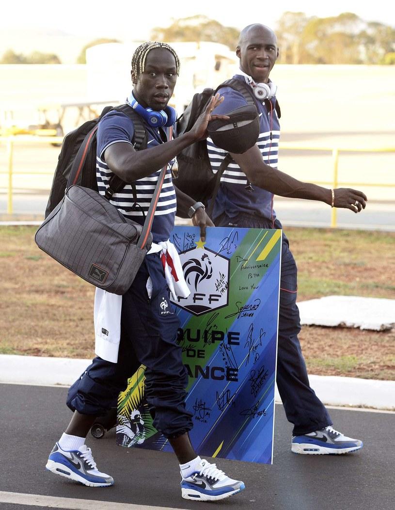 Bacary Sagna (z przodu) i Eliaquim Mangala będą grać w jednym klubie /AFP