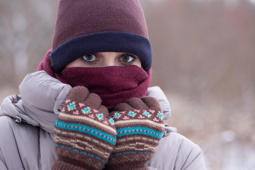 Badania nie pozostawiają wątpliwości: Im jest zimniej, tym bardziej czujemy się samotni /123RF/PICSEL