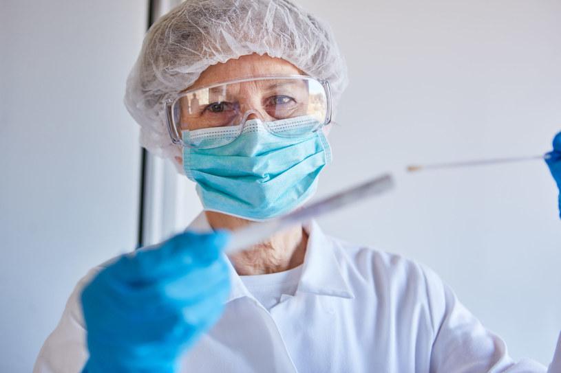 Badanie koronawirusa będzie teraz łatwiejsze? /123RF/PICSEL