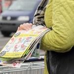 Badanie: Polacy wciąż mocno ufają sklepowym gazetkom. Wierzą, że dzięki nim kupują taniej i więcej