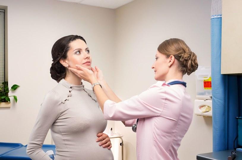 Badanie tarczycy jest szczególnie ważne dla kobiet w ciąży /123RF/PICSEL