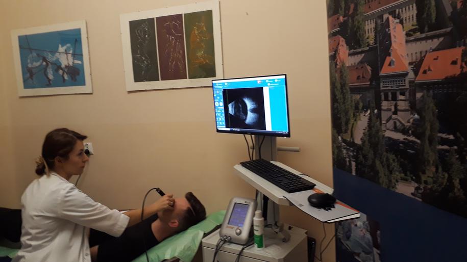 Badanie wykonywane przy pomocy nowego aparatu USG /Szpital Specjalistyczny im. Stefana Żeromskiego w Krakowie /Materiały prasowe