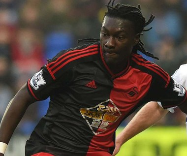 Bafetimbi Gomis stracił przytomność podczas meczu Tottenham - Swansea City