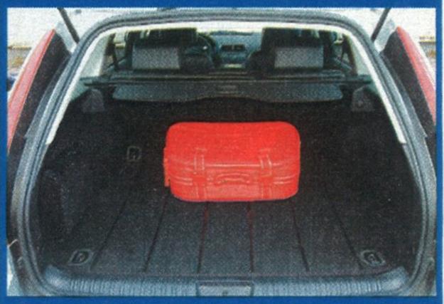 Bagażnik Forda Mondeo w wersji nadwozia kombi ma imponującą pojemność 540 l oraz regularne kształty. /Motor