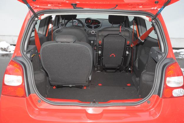 bagażnik i fotele /Motor