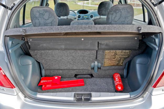 Bagażnik, w zależności od położenia przesuwnej tylnej kanapy, może mieć pojemność od 205 do 305 litrów. /Motor