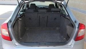 Bagażnik: za każdym otwarciem robi wrażenie (585 l). (kliknij, żeby powiększyć) /Motor