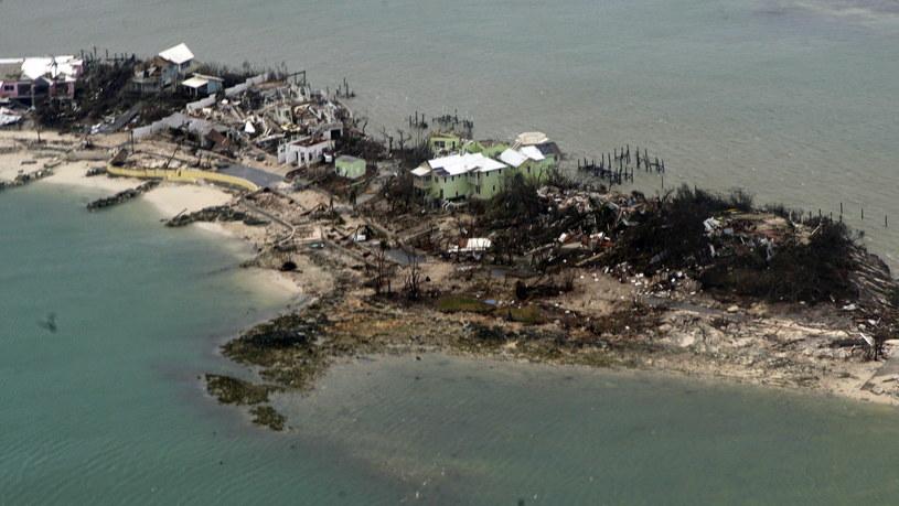 Bahamy po przejściu huraganu Dorian /PAP/EPA
