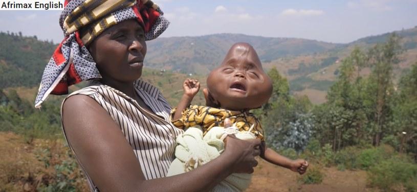 Bajeneza Liberata postanowiła zadbać o przyszłość syna /123RF/PICSEL