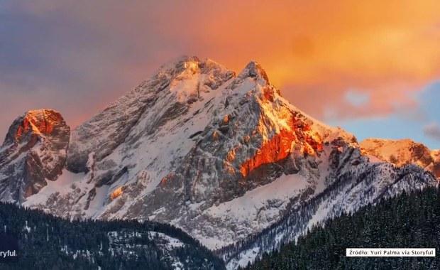 Bajkowy krajobraz we włoskich Alpach. Filmowiec uchwycił urok Dolomitów