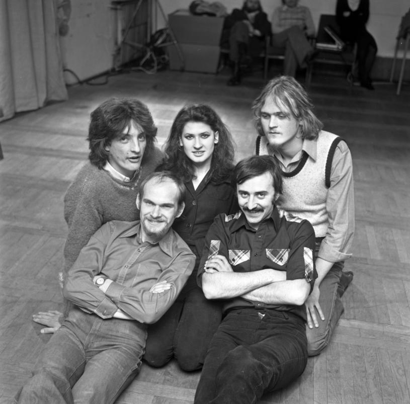 Bajm w 1979 r. - na dole po lewej Jarosław Kozidrak, obok niego Andrzej Pietras, w środku Beata Kozidrak /Jacek Mirosław /Agencja FORUM