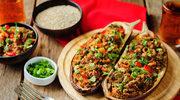 Bakłażan z mięsem, komosą ryżową i warzywami