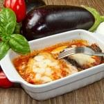 Bakłażany z mięsem i sosem