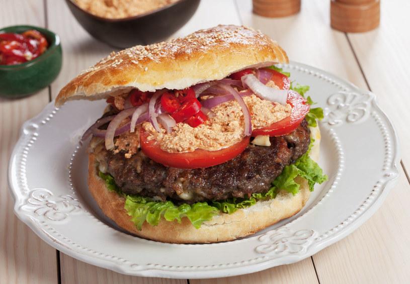 Bałkański hamburger /123RF/PICSEL