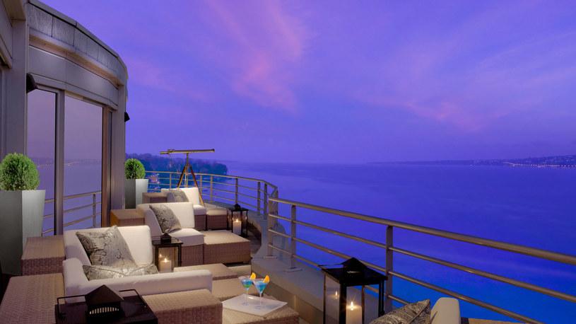 Balkon apartamentu w President Wilson Hotel /www.hotelpresidentwilson.com /materiały promocyjne