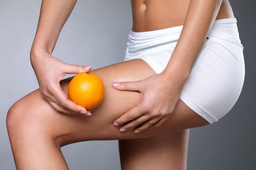 Balsamy i zabiegi nie pomogą pozbyć się pomarańczowej skórki, jeśli nie zmienisz swojego trybu życia. /123RF/PICSEL