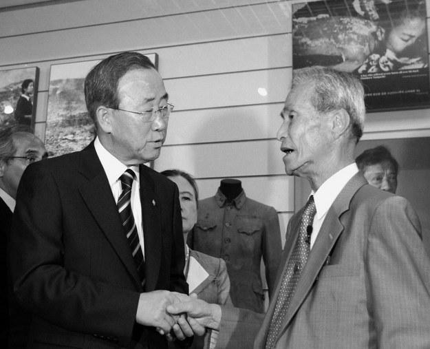 Ban Ki-moon i Sumiteru Taniguchi w 2010 roku /AFP