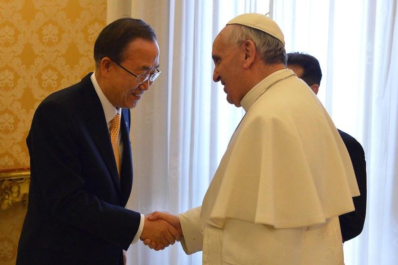 Ban Ki Mun zaprosił papieża Franciszka do siedziby ONZ /PAP/EPA