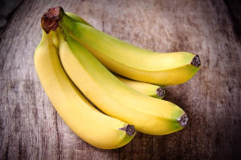 Bananów lepiej nie jeść na czczo /123RF/PICSEL