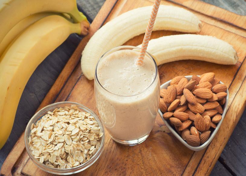 Bananowy shake /123RF/PICSEL