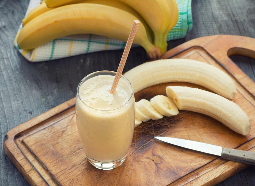 Banany są bogactwo potasu, który odpowiada za prawidłowe krążenie krwi /123RF/PICSEL