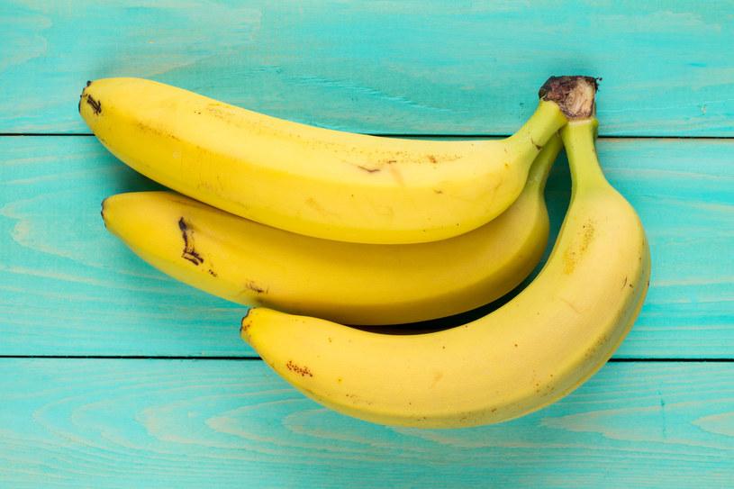 Banany są lekkostrawne i dobrze tolerowane przez wrzodowców /123RF/PICSEL