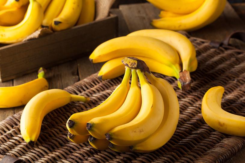 Banany są pełne potasu i magnezu, które pomagają rozluźnić mięśnie /123RF/PICSEL