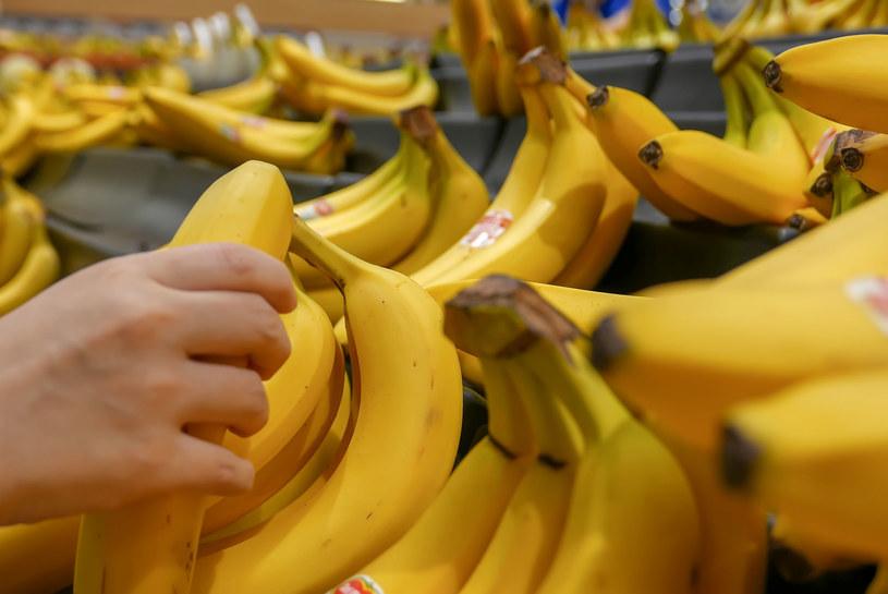 Banany w połączeniu z antydepresantami mogą wywoływać nieprzyjemne efekty uboczne, jak np. nudności /123RF/PICSEL