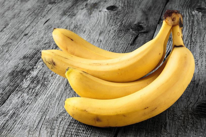 Banany złagodzą migrenę /123RF/PICSEL