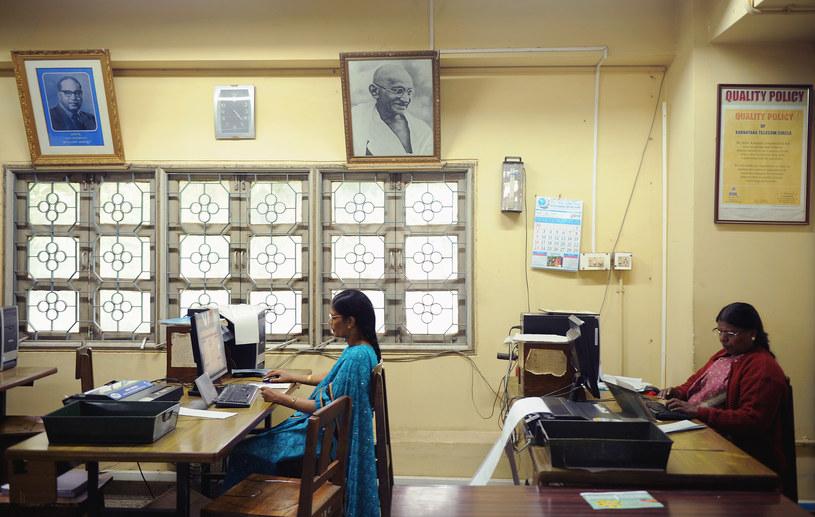 Bangalore, pracownicy zajmujący się wysyłaniem telegramów - 14 lipca wyślą ostatni telegram /AFP