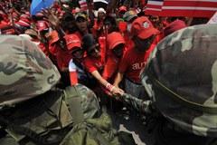 Bangkok w czerwieni. Protestują przeciwnicy rządu