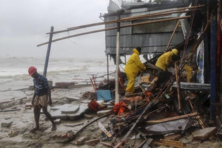 Bangladesz po uderzeniu cyklonu /AFP /AFP